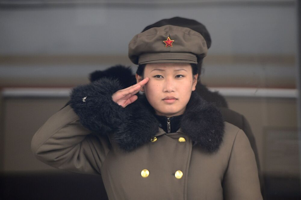 جندية في الجيش الكوري الشمالي، 2012