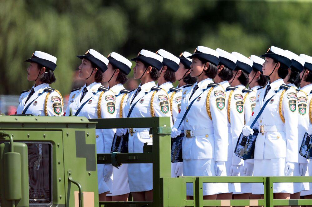 الجنديات الصينيات في الجيش الصيني