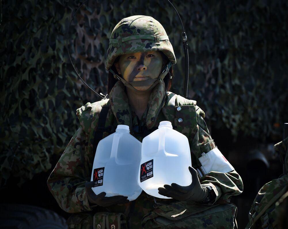 جندية في الجيش الياباني، 2015
