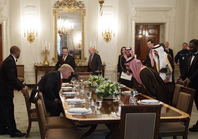 محمد بن سلمان مع دونالد ترامب وجاريد كوشنر في البيت الأبيض