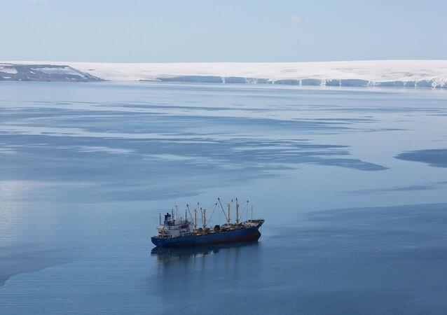 خليج هاف مون في أنتاركتيكا (القطب الجنوبي)، 18 فبراير/ شباط 2018