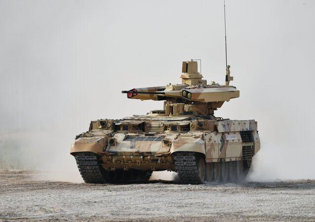 سيارة حربية روسية