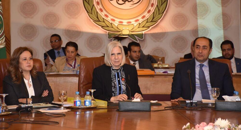 السفيرة هيفاء أبو غزالة الأمين العام المساعد، رئيس بعثة الجامعة العربية لمراقبة الانتخابات الرئاسية