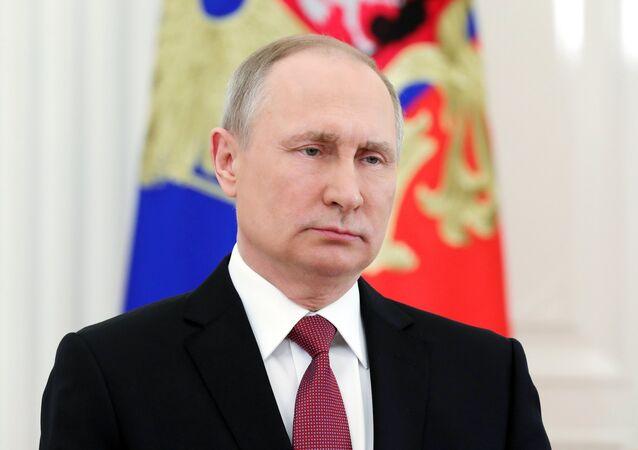 الرئيس الروسي فلاديمير بوتين يخاطب الشعب