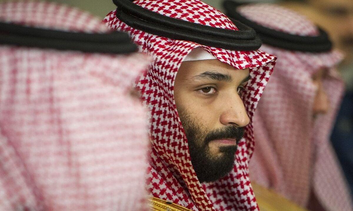 زيارة الفجر المفاجئة ماذا يفعل محمد بن سلمان فوق الكعبة صور وفيديو Sputnik Arabic
