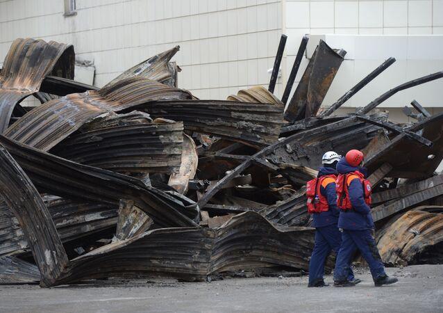 المركز التجاري بعد اطفاء الحريق في كيميروفو، روسيا 27 مارس/ آذار 2018