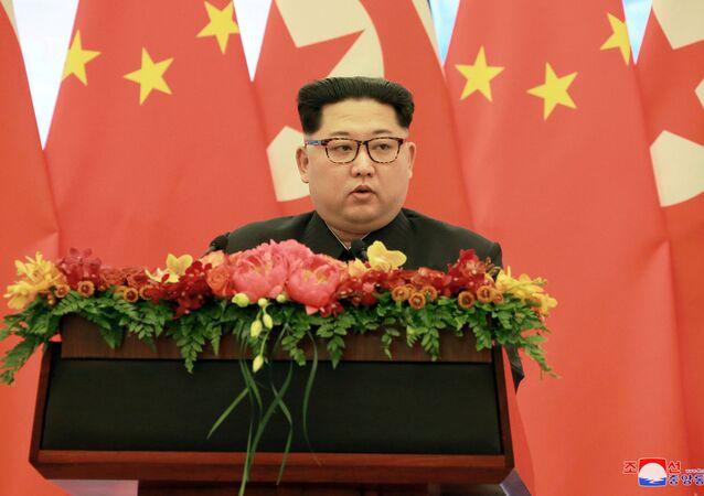 زعيم كوريا الشمالية كيم جونغ أون وزوجته في زيارة إلى الصين، 28 مارس/ آذار 2018
