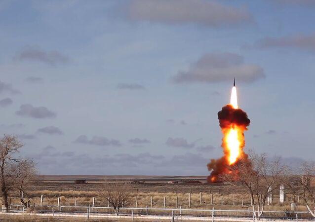تجربة صاروخ روسي جديد للدفاع الجوي