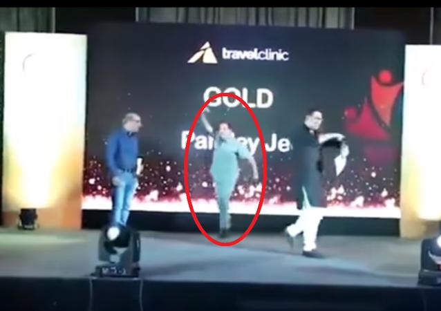 موت رجل أعمال هندي أثناء أدائه رقصة على المسرح
