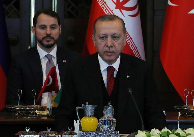 أردوغان خلال القمة الثلاثية التي جمعت روسيا وتركيا وإيران