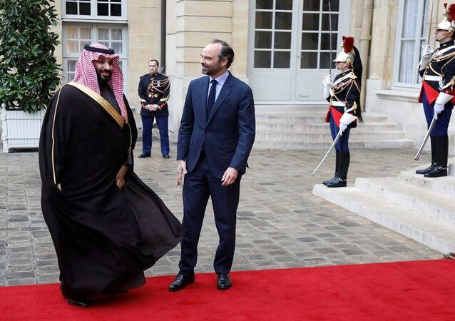 محمد بن سلمان مع رئيس الوزراء الفرنسي