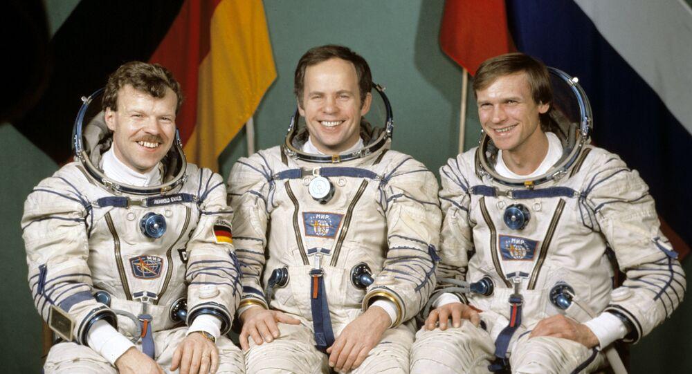 رائد الفضاء أفيدييف: علينا أن نكون قادرين على الخروج سالمين من أي حالة صعبة