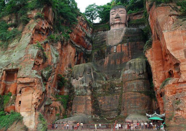 تمثال بوذا في ليشان في الصين