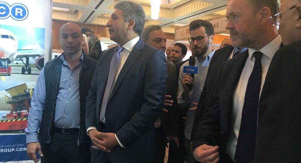 وزير الطيران المصري شريف فتحي على هامش معرض الطيران الأفريقي