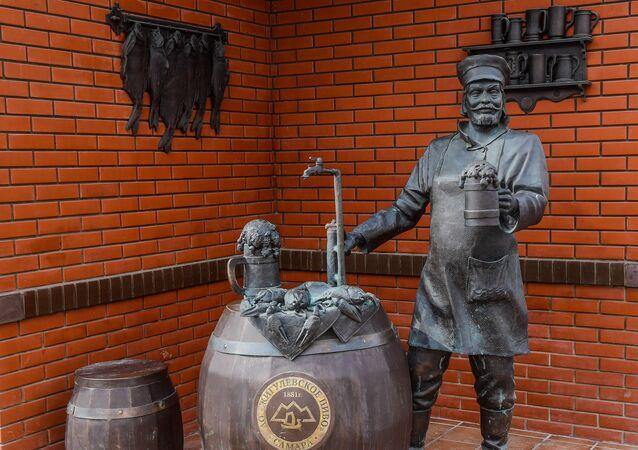 تمثال صانع البيرة