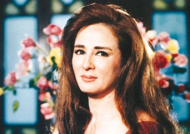 الممثلة المصرية نجلاء فتحي