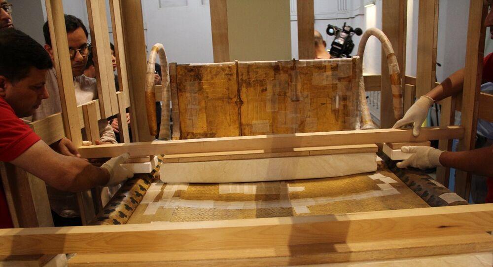 السرير الجنائزي الثالث للملك توت عنخ آمون