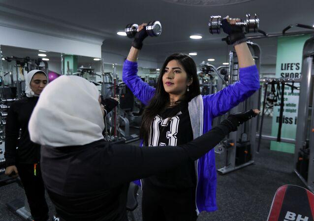 النساء في نادي رياضي في مدينة القطيف في السعودية، 21 أبريل/ نيسان 2018