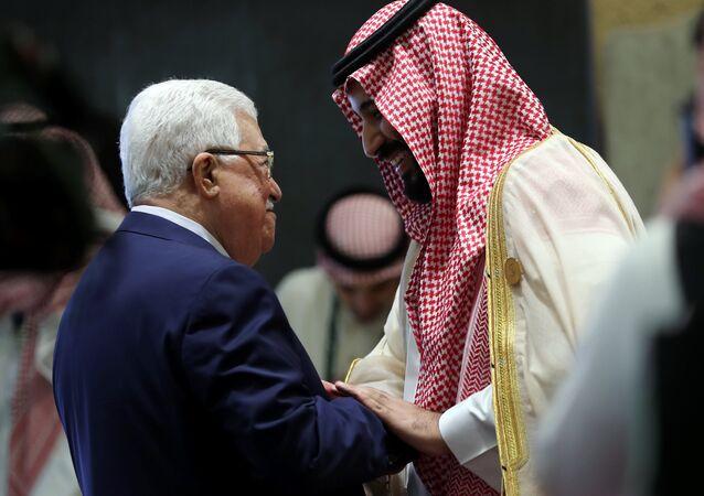 ولي العهد السعودي الأمير محمد بن سلمان ورئيس السلطة الفلسطينية محمود عباس