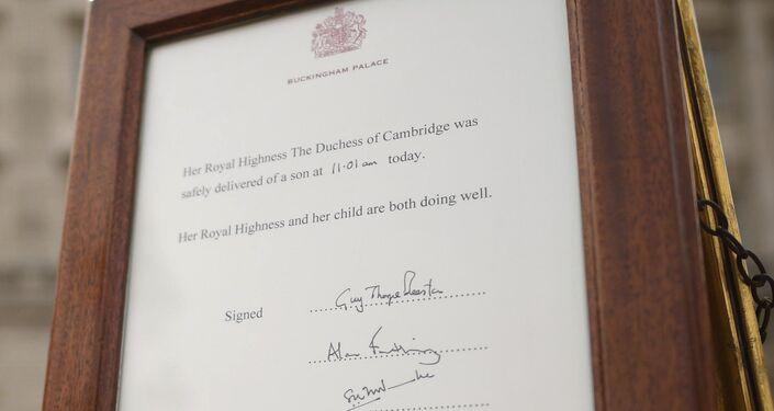الأمير وليام نجل ولي عهد بريطانيا وزوجته كيت يرزقان بمولودهما الثالث