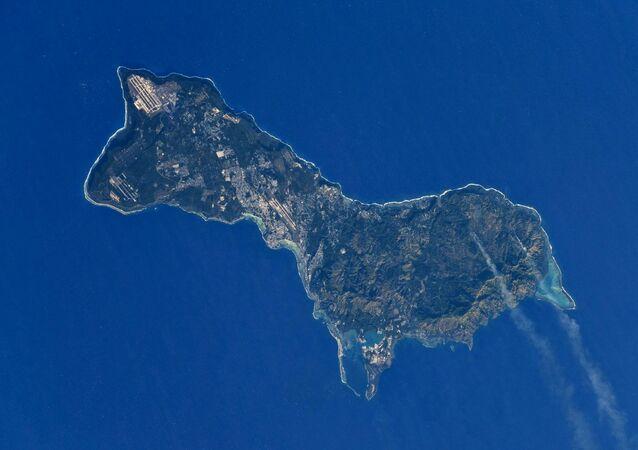 صورة لجزيرة غوام التقطها رائد فضاء الروسي أنطون شكابليروف من محطة الفضاء الدولية