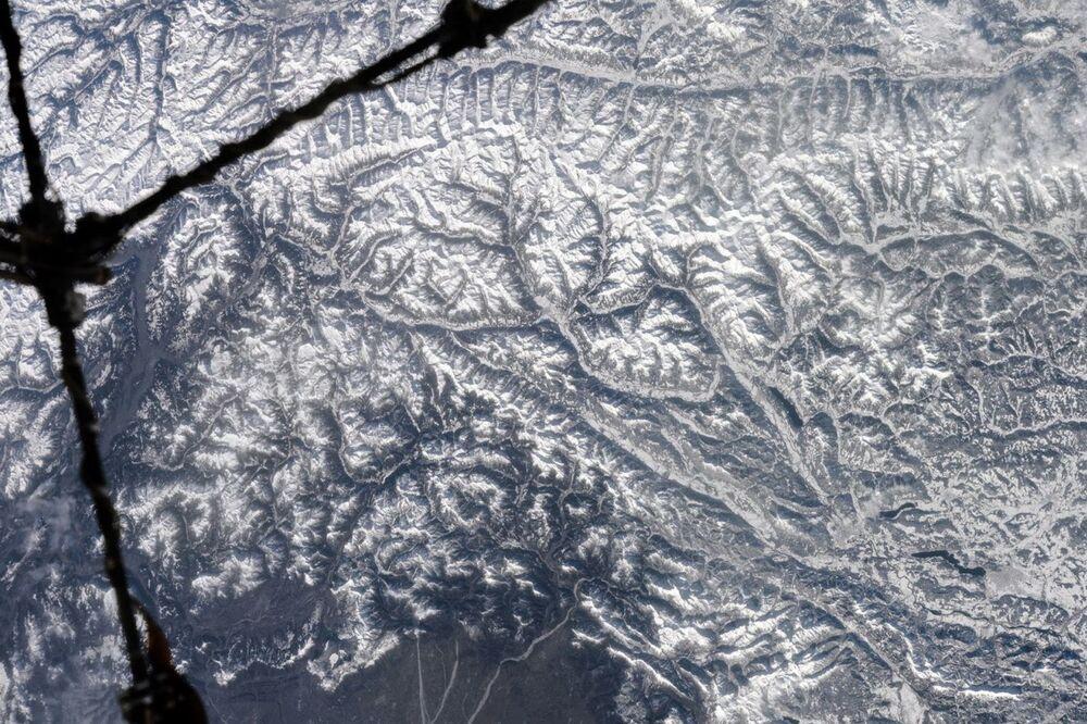صورة لسلسلة جبال الألب التقطها رائد فضاء الروسي أنطون شكابليروف من محطة الفضاء الدولية