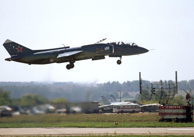 المقاتلة الروسية  ياك-141