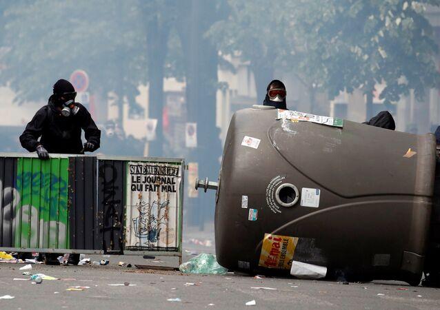 احتجاجات في باريس بمناسبة عيد العمال