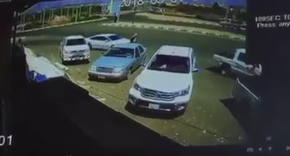 سعودي يقتل رجلا بسيارته ويهرب