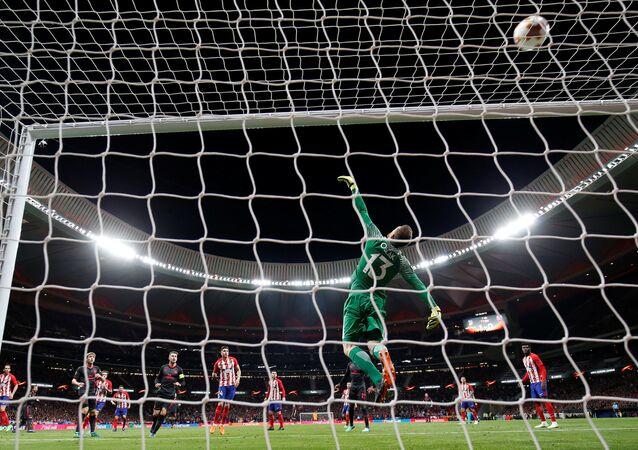 أتلتيكو مدريد وأرسنال في نصف نهائي الدوري الأوروبي