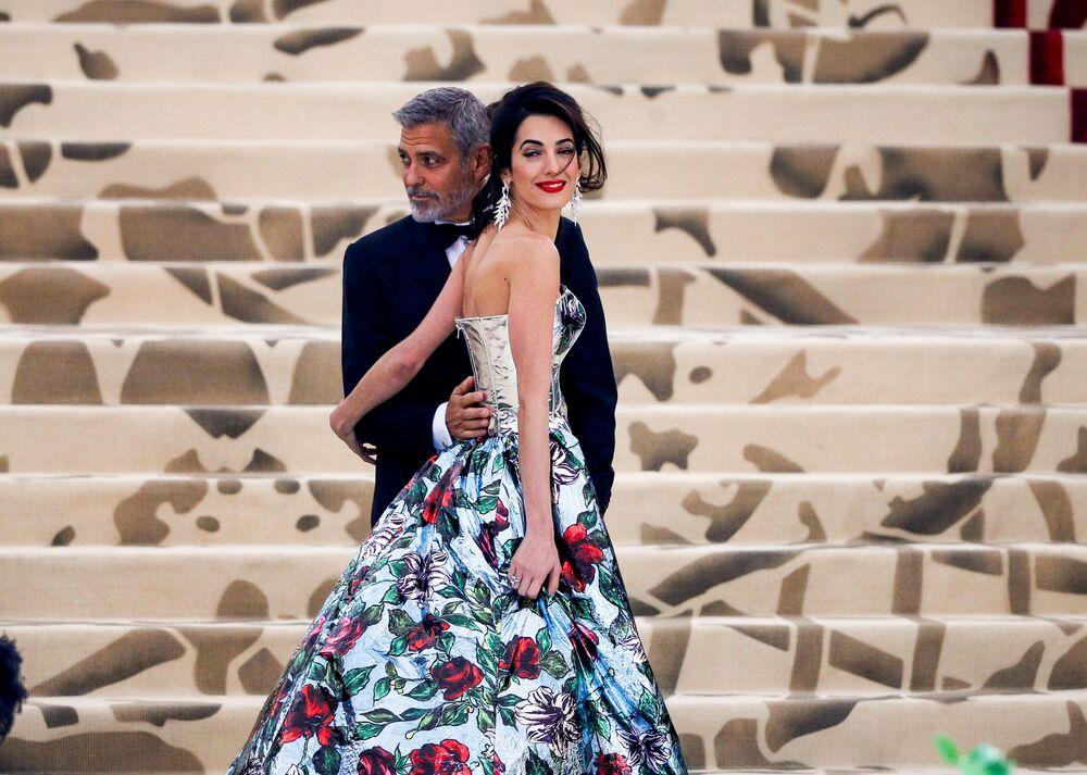 الممثل جورج كلوني وزوجته أمل كلوني في حفل 2018 Met Gala في نيويورك، 7 مايو/ أيار 2018