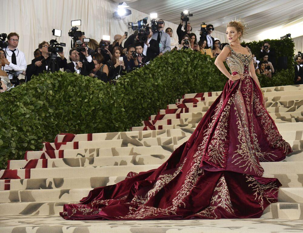 الممثلة بليك ليفلي في حفل 2018 Met Gala في نيويورك، 7 مايو/ أيار 2018