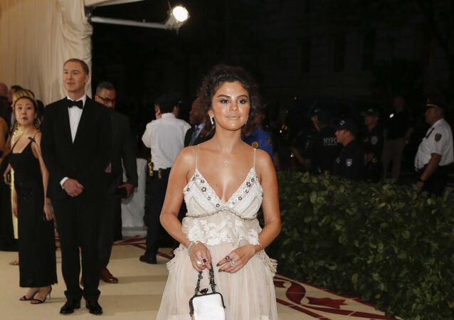 المطربة الأمريكية سيلينا غوميز في حفل ميت غالا 2018, 7 مايو/أيار 2018