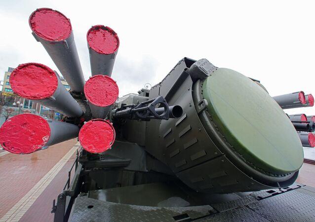 منصة الدفاع الجوي الصاروخي المدفعي بانتسير -إس1
