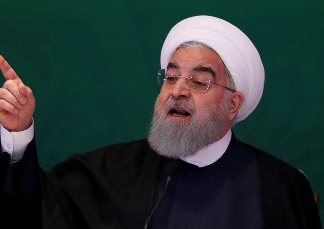 الرئيس الإيراني حسن روحاني خلال مؤتمر القادة والعلماء المسلمين في حيدر آباد، الهند 15 فبراير/ شباط 2015
