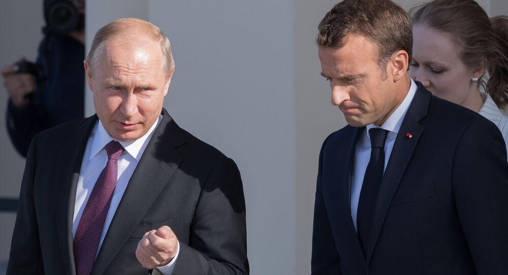 الرئيس الروسي فلاديمير بوتين يلتقي الرئيس الفرنسي إيمانويل ماكرون