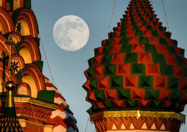 اكتمال القمر في موسكو، 28 مايو/ أيار 2018
