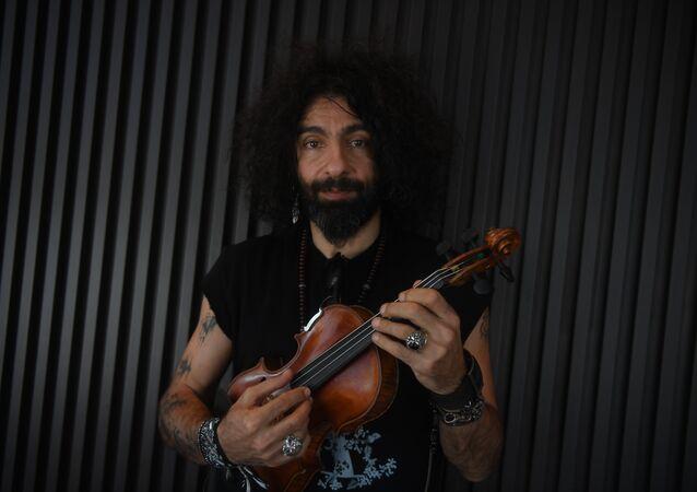 عازف الكمان البارع اللبناني الإسباني من أصل أرمني آرا ماليكيان