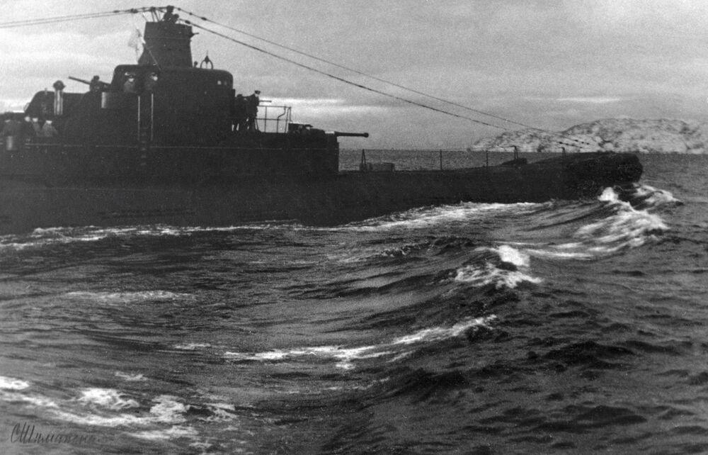 الغواصة كا-21 التابعة للأسطول الشمالي للاتحاد السوفيتي، خلال الحرب الوطنية العظمى (1941-1945)، الصورة تعود إلى 5 يوليو/ تموز 1942