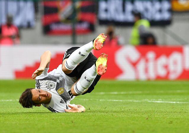 أوزيل لاعب المنتخب الألماني