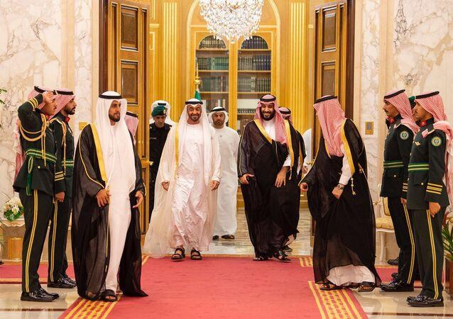 محمد بن سلمان يستقبل محمد بن زايد في جدة
