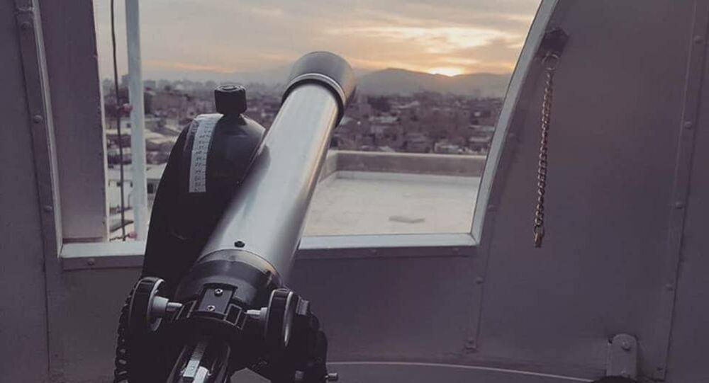 تلسكوب للكشف عن هلال رمضان