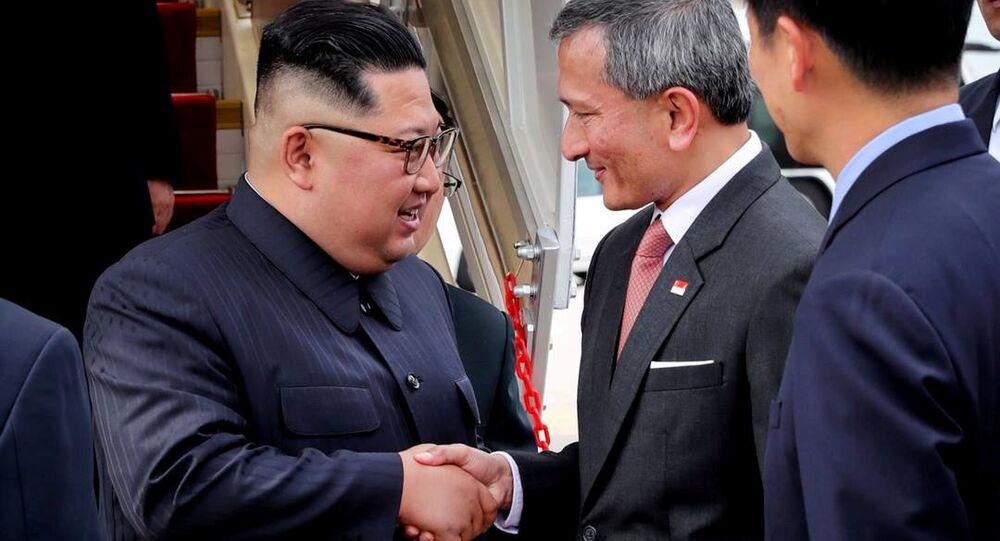 وزير خارجية سنغافورة يلتقي زعيم كوريا الشمالية كيم بيونغ