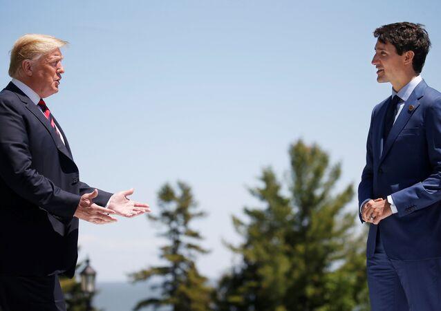 رئيس الوزراء الكندي جاستن ترودو والرئيس الأمريكي دونالد ترامب