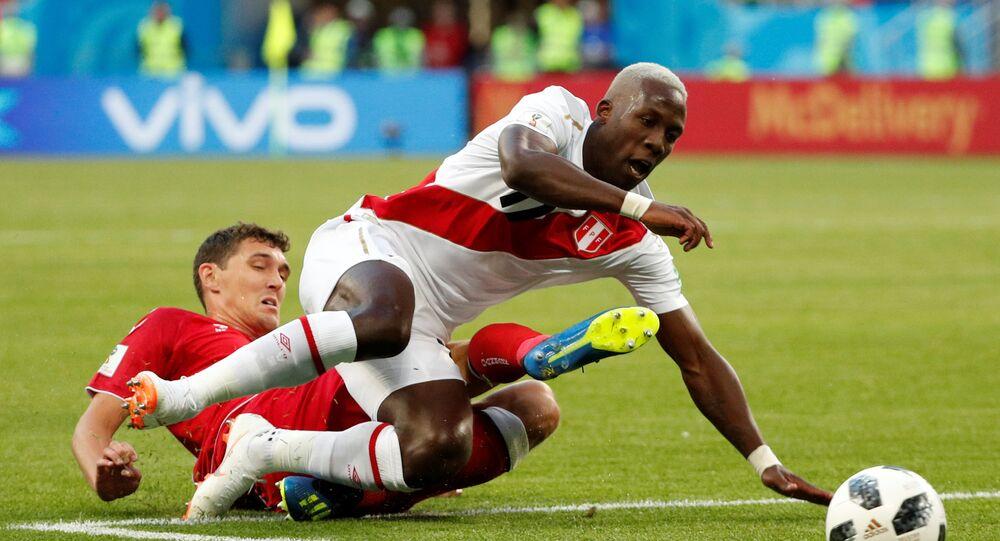 مباراة بيرو والدنمارك