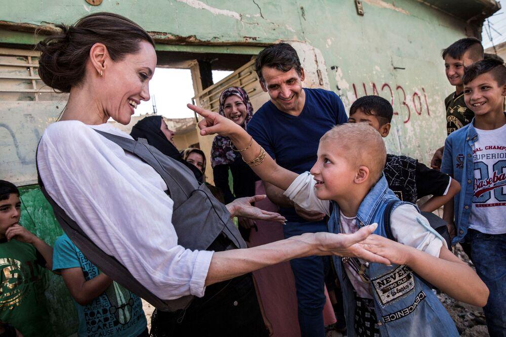 سفيرة النوايا الحسنة و الممثلة أنجلينا جولي في مدينة الموصل العراقية