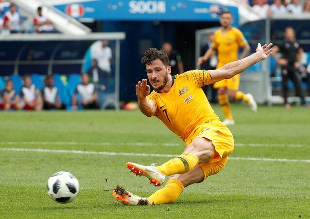لاعب المنتخب الأسترالي في مباراة بيرو