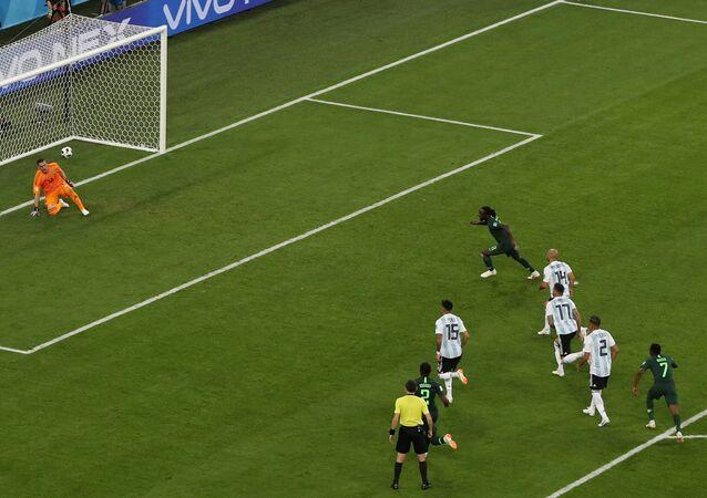 هدف منتخب نيجيريا من ركلة الجزاء
