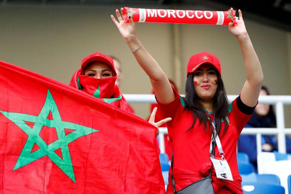 مغربيات قدمو إلى روسيا لدعم منتخبهم الوطني