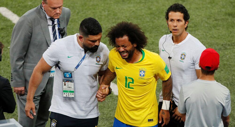 اصابة مارسيلو في لقاء البرازيل و صربيا بكأس العالم